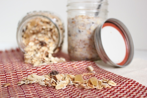 Ginger raisin muesli | www.purplehousecafe.com