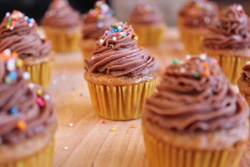 Gluten-free cupcakes | www.purplehousecafe.com